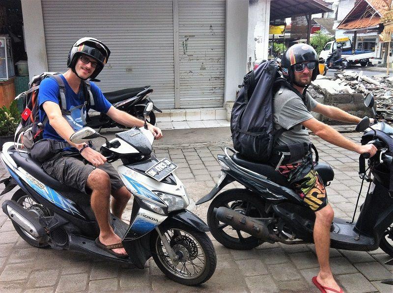 Balade en scooter à Bali avec les sacs à dos