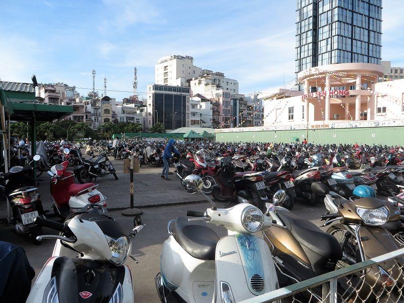 Parking à scooters à Hô-Chi-Minh-Ville, Vietnam