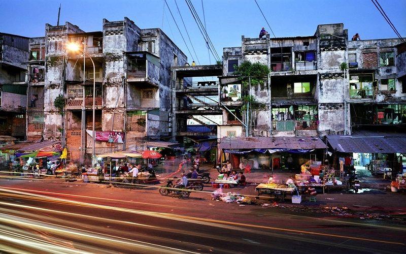 Immeubles délabrés à Phnom Penh, Cambodge