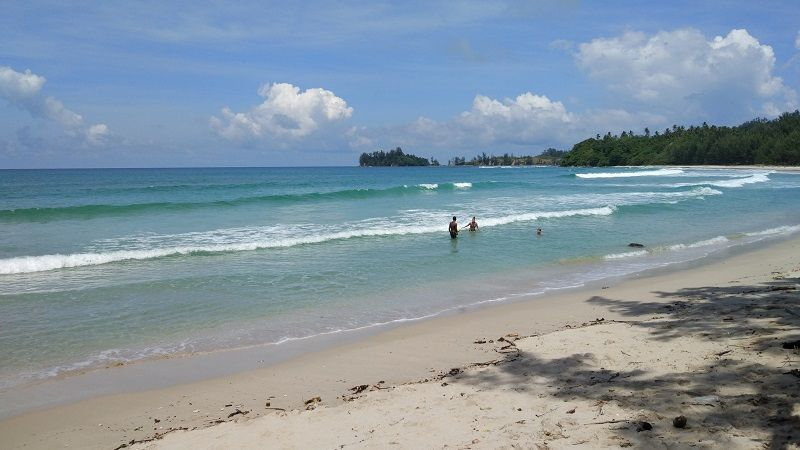 baignade à la plage de Tip of Borneo
