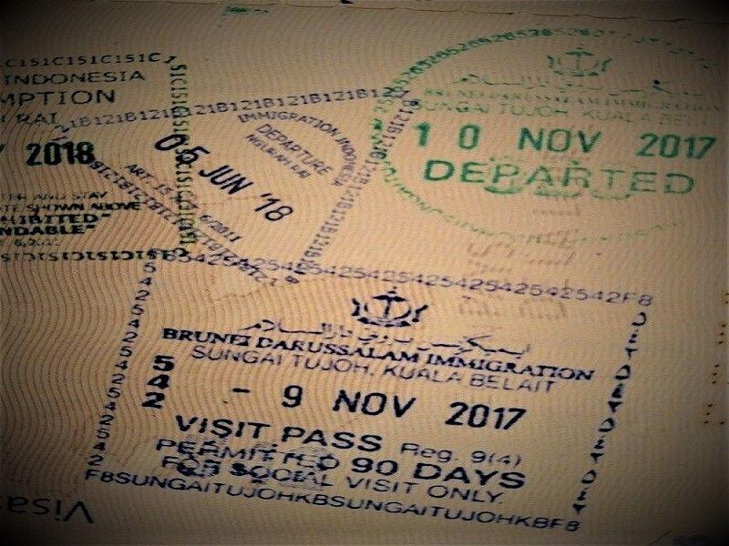 Tampons passeport visas entrée et sortie Brunei