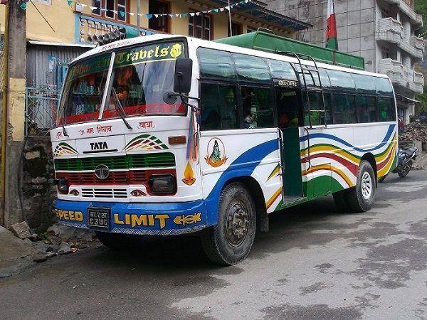 Bus à l'arrêt, Syabru Bensi, Nepal